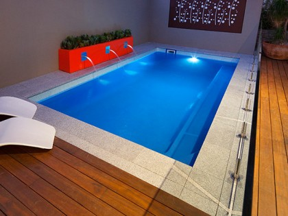 Our fibreglass swimming pools in perth sapphire pools for Swimmingpool 3m