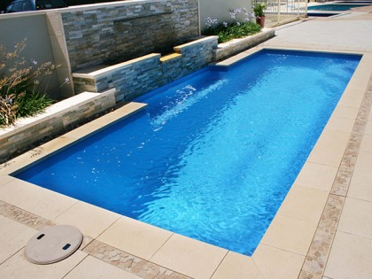 Our fibreglass swimming pools in perth sapphire pools for Swimming pools obi