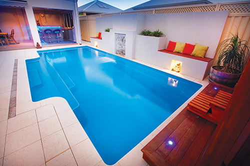 The Grandeur 8.25m x 4.0m award-winning fibreglass swimming pool