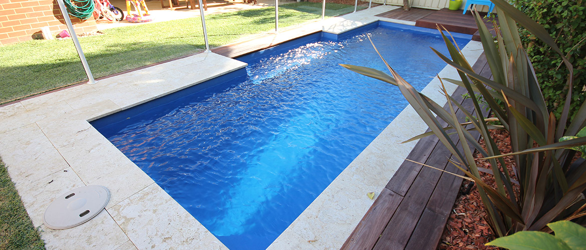 Chateau fibreglass swimming pool 8m x 3m sapphire pools for Swimmingpool 3m